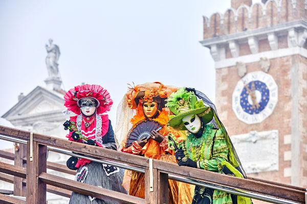 Era comum na Itália renascentista a realização de bailes de máscara durante o Carnaval.