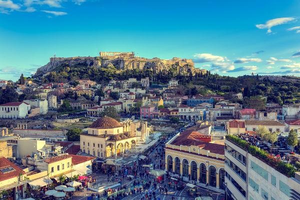 Entre 430-427 a.C., a cidade de Atenas sofreu com uma doença desconhecida que, acredita-se, causou a morte de até 35% da população.