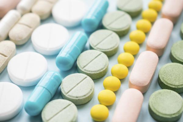 A utilização de medicamentos para controlar a dor pode mascarar doenças importantes. Não se automedique!