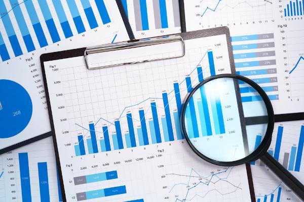A análise estatística é essencial para a tomada de decisões, por exemplo, a seleção do melhor tipo de média para representar um conjunto.
