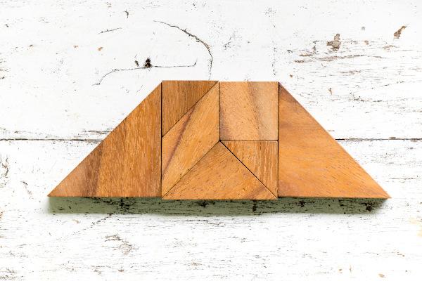 Grande trapézio formado por diversas formas geométricas