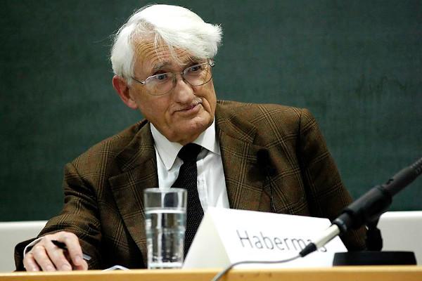 Habermas é um dos mais importantes e produtivos filósofos ainda vivos. [2]