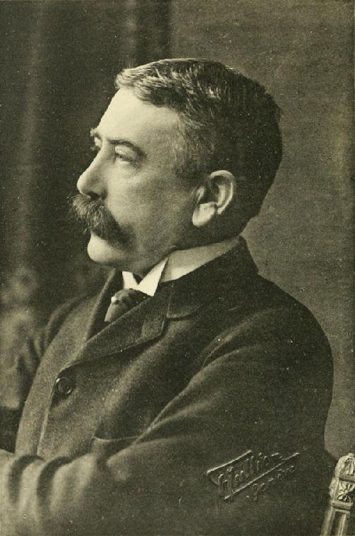 """O linguista Ferdinand Saussure foi o """"pai"""" do estruturalismo, introduzindo-o na linguística."""