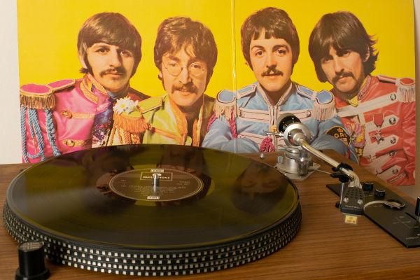The Beatles é considerada por muitos como uma das maiores bandas de rock da história.[3]