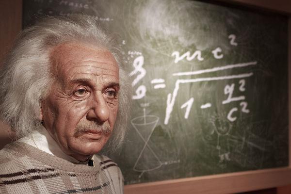 A dilatação temporal é um fenômeno físico explicado e previsto por Albert Einstein.