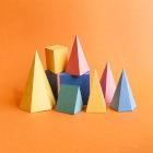 sólidos geométricos coloridos