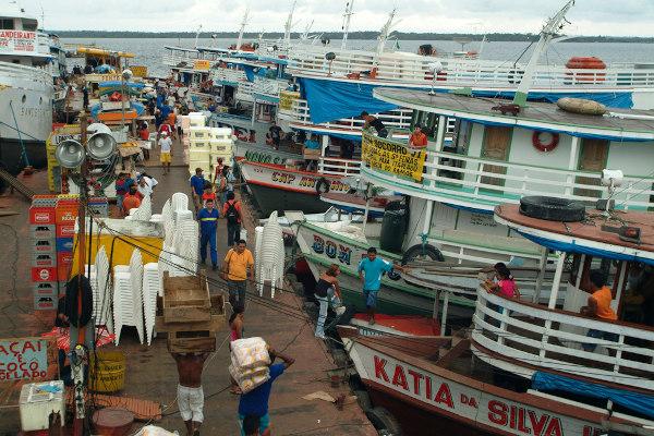 Porto de Manaus (AM): transporte de pessoas e mercadorias. [1]