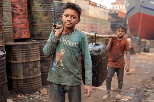 O trabalho infantil ainda é uma realidade a ser combatida no Brasil e no mundo, em especial nos países em desenvolvimento. [1]