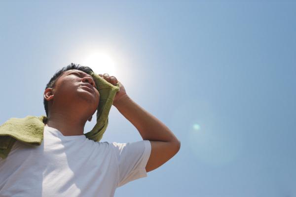 A exposição ao calor excessivo pode desencadear hipertermia.
