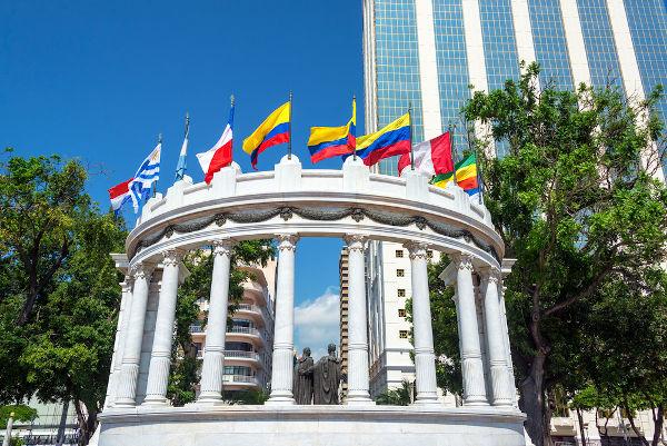 Monumento em Guayaquil, no Equador, em homenagem a Simón Bolívar.