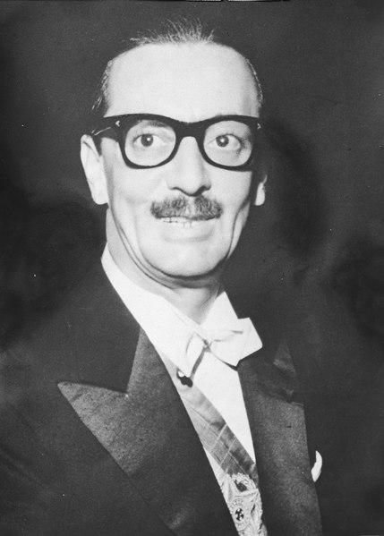 Jânio Quadros foi o primeiro presidente a tomar posse em Brasília. Ele governou o Brasil de 31 de janeiro de 1961 até 25 de agosto do mesmo ano.