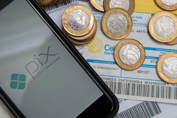 Pix facilita transferências bancárias e pagamentos.