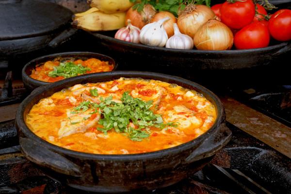A moqueca capixaba é um dos pratos típicos do Espírito Santo.