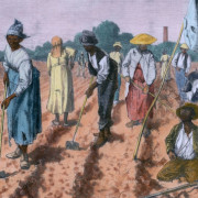 Escravos arando a terra