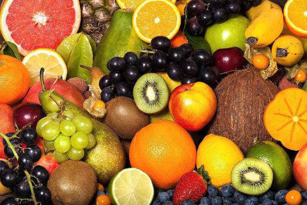 O outono é celebrado como a estação da colheita em várias partes do mundo, com destaque para a grande variedade de frutas.