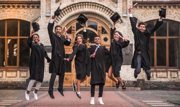 Optar por uma graduação não deve ser sinônimo de anular o desejo de empreender. Ambas as atividades podem ser realizadas visando ao mesmo propósito.