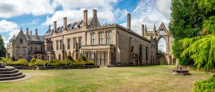 Abadia de Newstead, Inglaterra, onde residiu Lord Byron. [1]