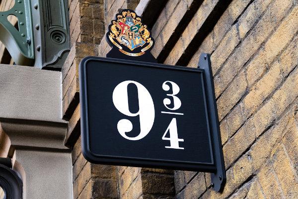 No filme Harry Potter, a plataforma que eles utilizam é um número misto. [1]