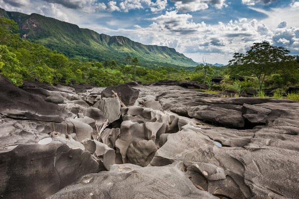 O vale da Lua é uma das paisagens mais conhecidas e visitadas da chapada dos Veadeiros.