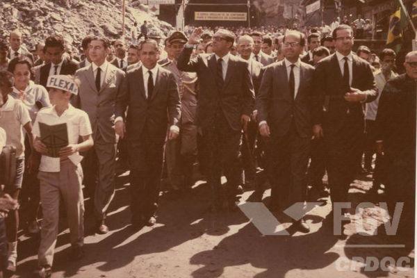 Carlos Lacerda foi governador da Guanabara entre os anos de 1960 e 1965.[1]