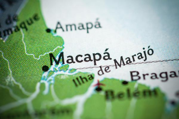Foto de mapa que mostra parte do estado do Amapá com foco em Macapá.