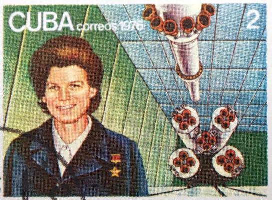 Valentina Tereshkova teve origem humilde, mas ficou gravada como a primeira mulher a ir ao espaço.[1]