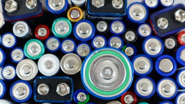 As pilhas são dispositivos que geram corrente elétrica.