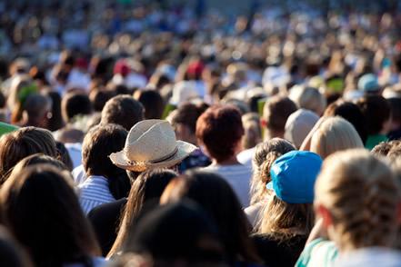 Nos centros urbanos há grande concentração de pessoas