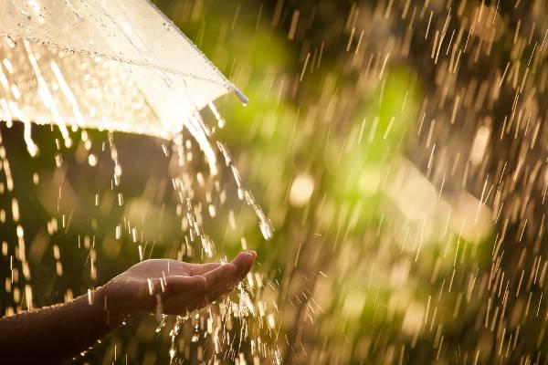 A chuva pode precipitar-se de diversas maneiras, e a diferença ocorre segundo o seu processo de formação.