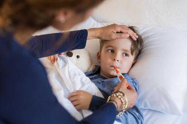 A febre é um sinal de que algo não está bem no nosso corpo.