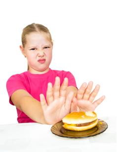 Os alunos são incentivados a comer alimentos saudáveis por meio de mudanças nas cantinas escolares