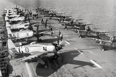 Porta-aviões dos EUA durante a Guerra da Coreia (1950-1953). O conflito foi um dos marcos da Guerra Fria.*
