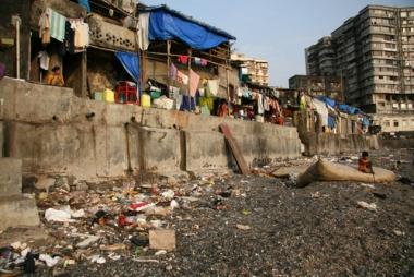 Bairro pobre na cidade de Bombaim