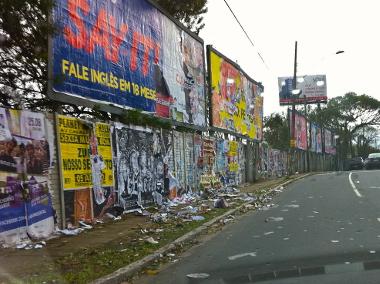 A poluição visual gera problemas no espaço urbano