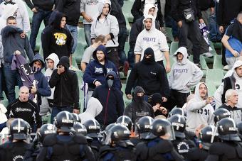 O embate de torcidas é comumente atribuído aos hooligans *