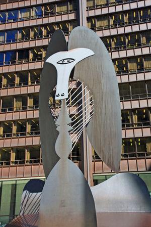 Acima, um exemplo de escultura cubista feita pelo artista espanhol Pablo Picasso **