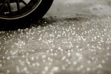 Exemplo de chuva com queda de granizo