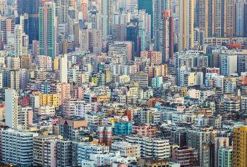 As grandes populações das metrópoles constituem-se como sociedades de massas