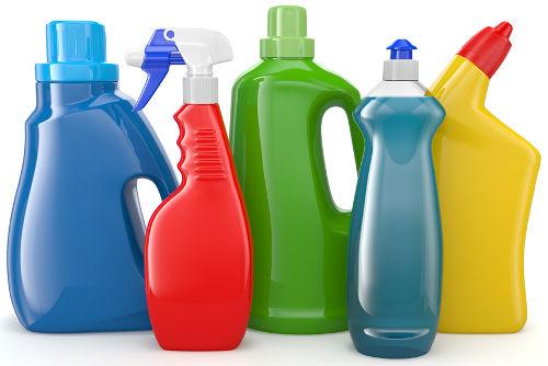 Os produtos de limpeza apresentam um álcool em sua composição