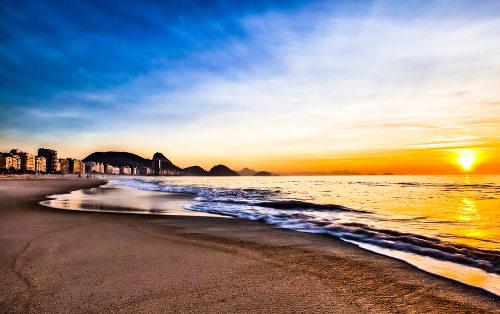Por possuir um clima tropical, o Brasil é um destino muito atrativo para turistas que querem aproveitar belas praias