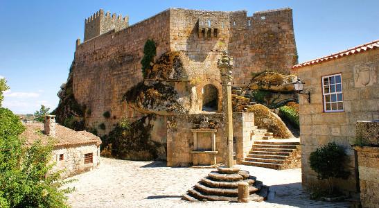 Castelos medievais estão localizados próximos à cidade de Covilhã