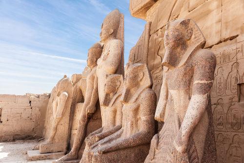 Esculturas do templo de Kanark