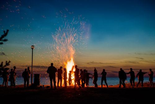 A fogueira é um dos elementos básicos da tradicional festa de São João