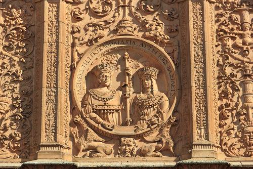 """Isabel de Castela e Fernando de Aragão foram os chamados """"reis católicos"""", cujo casamento unificou a Espanha"""