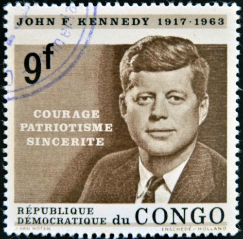 John F. Kennedy atuou diplomaticamente para evitar uma guerra mundial com a crise dos mísseis, em 1962.*