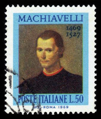 Nicolau Maquiavel foi um dos mais influentes defensores do poder absolutista **