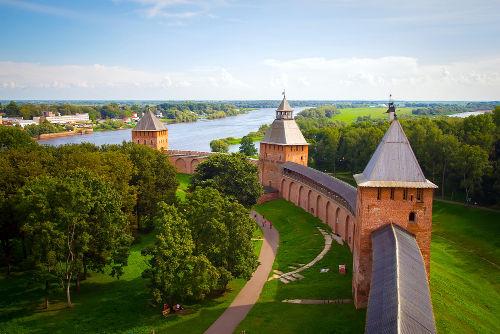 Torres do Kremlin de Novgorod, cidade em que Rurik tornou-se rei em 862