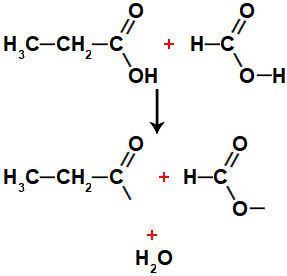 Equação representando a formação de água entre ácidos metanoico e propanoico