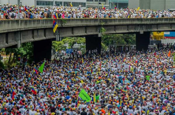 Inúmeros protestos da população contra o governo de Maduro ocorreram na Venezuela.*