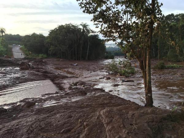 Destruição causada pelo rompimento da barragem em Brumadinho
